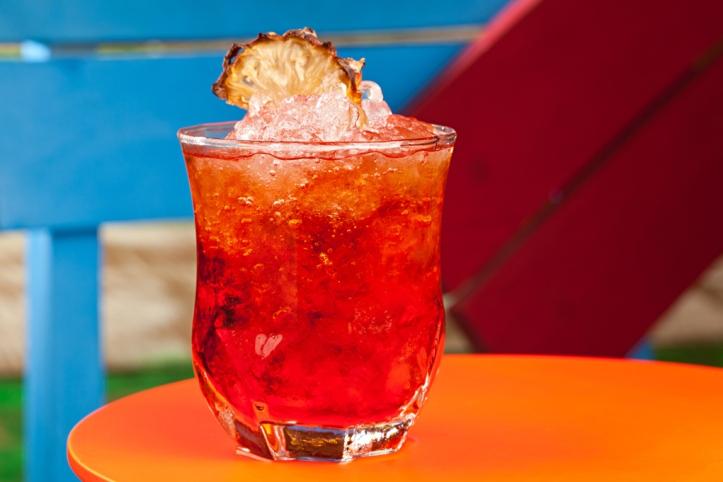Kingston Negrone leva rum no lugar de gim, além de Campari e Punt e Mes (Foto: Rodrigo Azevedo)