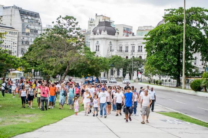 Guiados por professores de história da Estácio (Foto: Thiago Diniz)