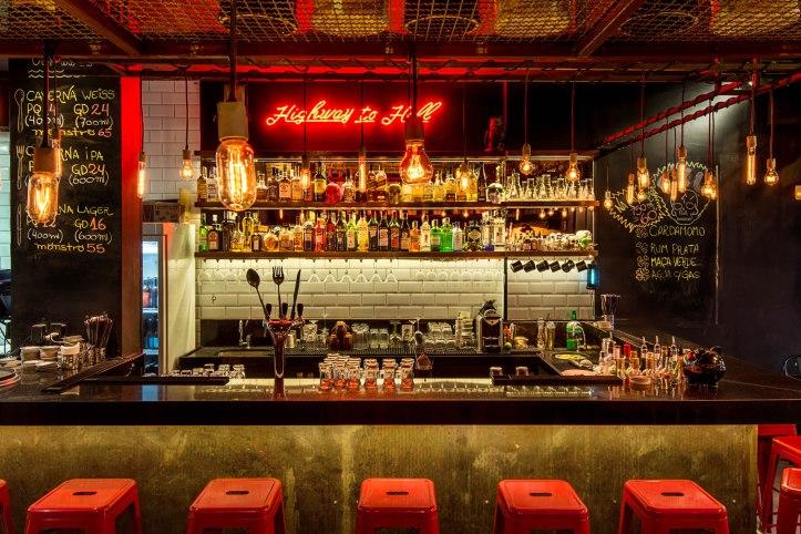 Caverna_Balcao Bar_foto Tomas Rangel