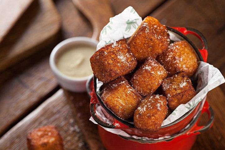 cafe-carandai_french-toast-bites-com-creme-ingles_credito-rodrigo-azevedo_3