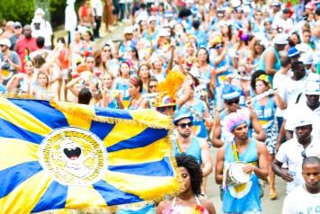 Desfile aberto do bloco às margens da Lagoa (Foto: Ivanildo Carmo)