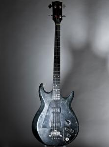 exposicaonivervana-Gibson Ripper Bass