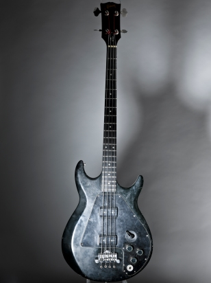 exposicaonivervana-Gibson Ripper Bass