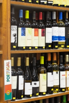 Empórios dão descontos em vinhos